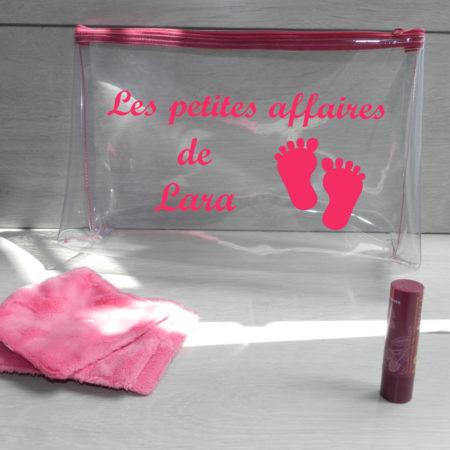 Trousse pour bébé transparente fushia personnalisé